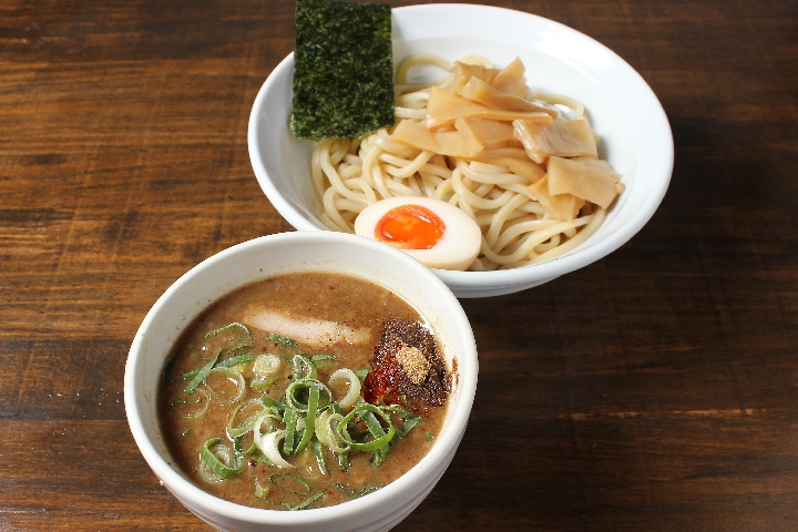 No.1人気メニュー「こってりつけ麺」