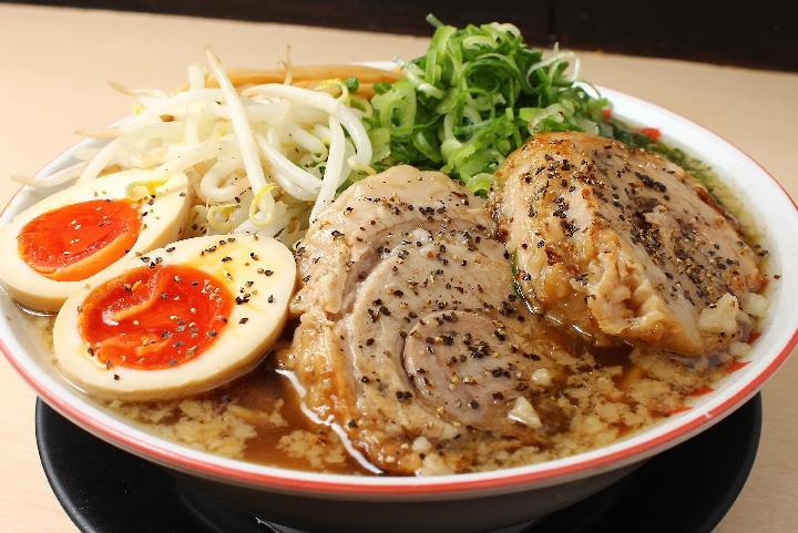 「厚切り炙り焼きチャーシュー麺」