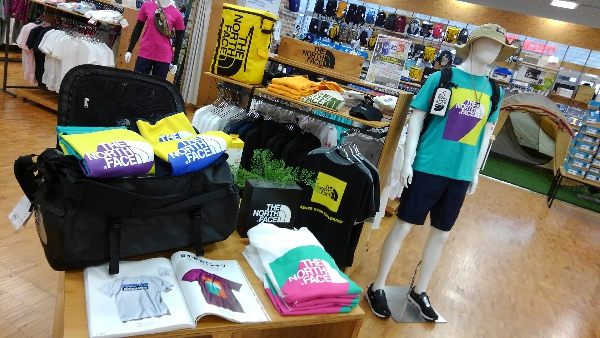 『THE NORTH FACE』Tシャツ大量入荷中!!!